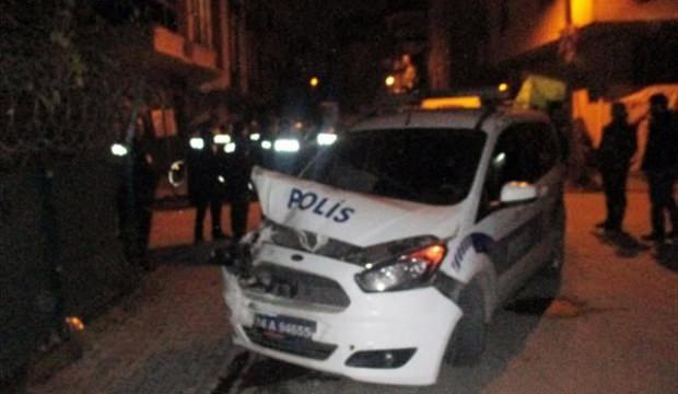 Suçlu kovalayan polisler kaza yaptı