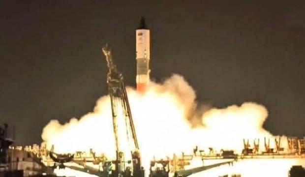 Uzaya 2 buçuk ton su gönderildi!