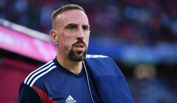 Yok artık Ribery! Gazeteci tokatladı