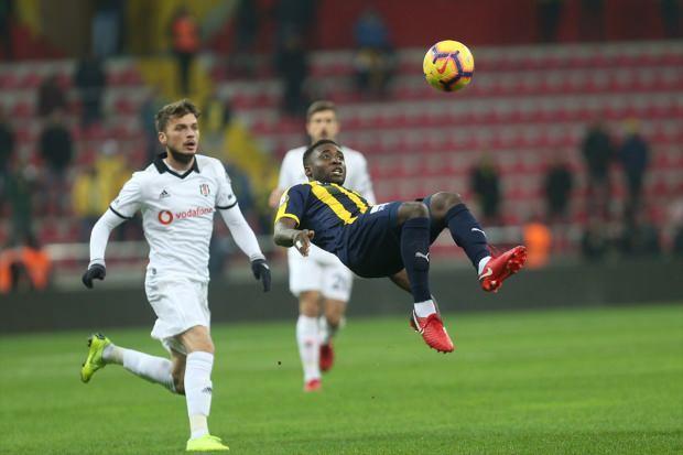 Beşiktaş derbi öncesi farklı kazandı!