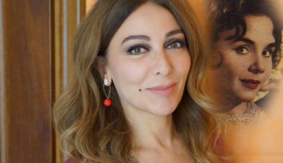 Zerrin Tekindor'dan Muhterem Nur performansı