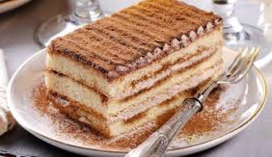 Kahveli bisküvi tatlısı nasıl yapılır?