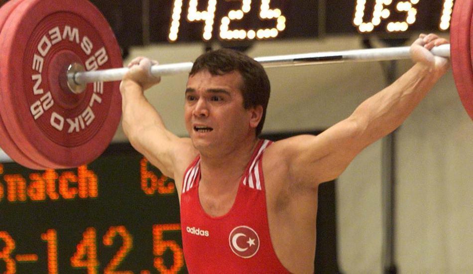 Naim Süleymanoğlu'nun hayatı film oluyor