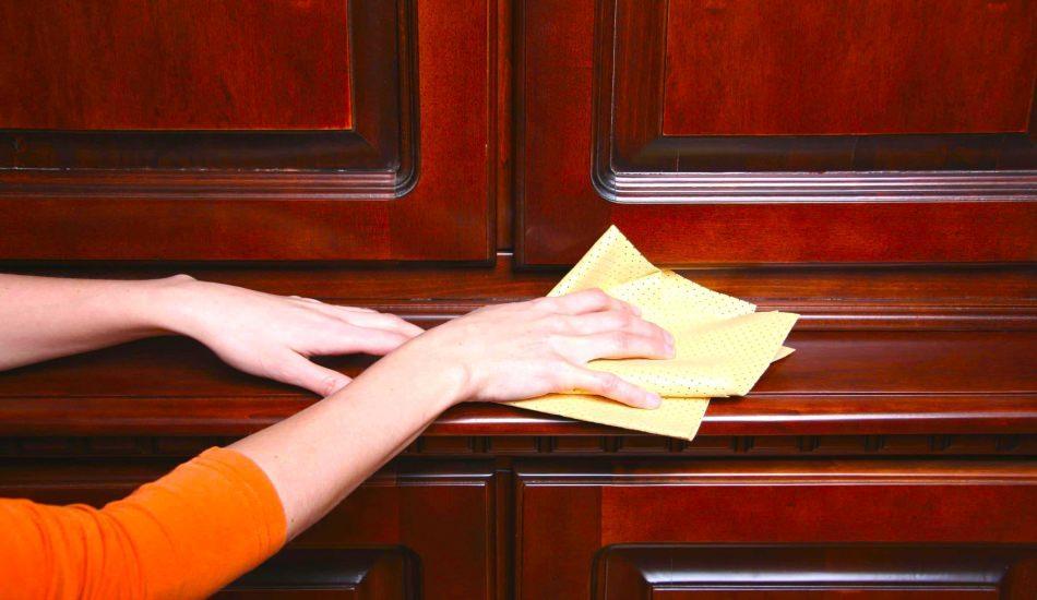 Ahşap mobilyalardaki parmak izi nasıl çıkar?