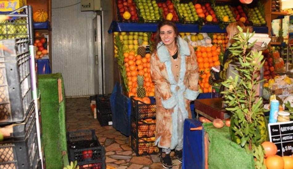 Yıldız Tilbe'den 300 TL'lik meyve alışverişi