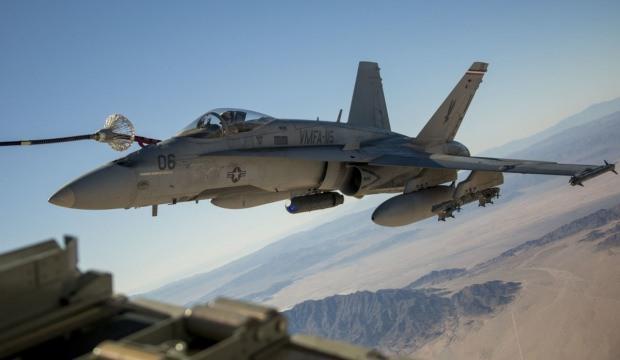 Ülke şokta! Savaş uçakları havada çarpıştı