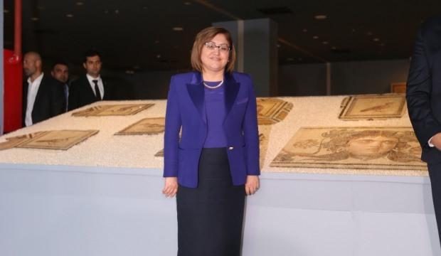 'Çingene Kızı' mozağinin eksik parçaları tanıtıldı