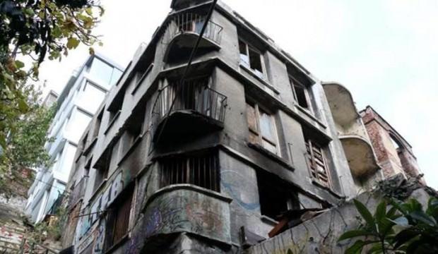 İstanbul'da dehşet! 2 ceset ortaya çıktı
