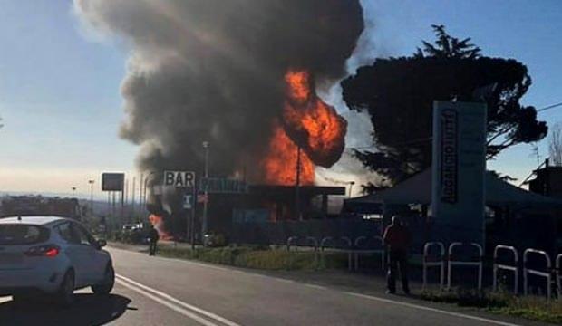 İtalya'da benzincide patlama: Ölü ve yaralılar var