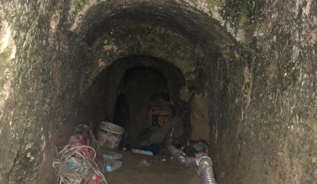 Tarihi mağarada suçüstü yakalandılar!