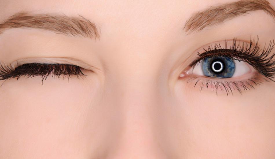 Göz seğirmesi neden olur? Hangi hastalıkların belirtileridir?
