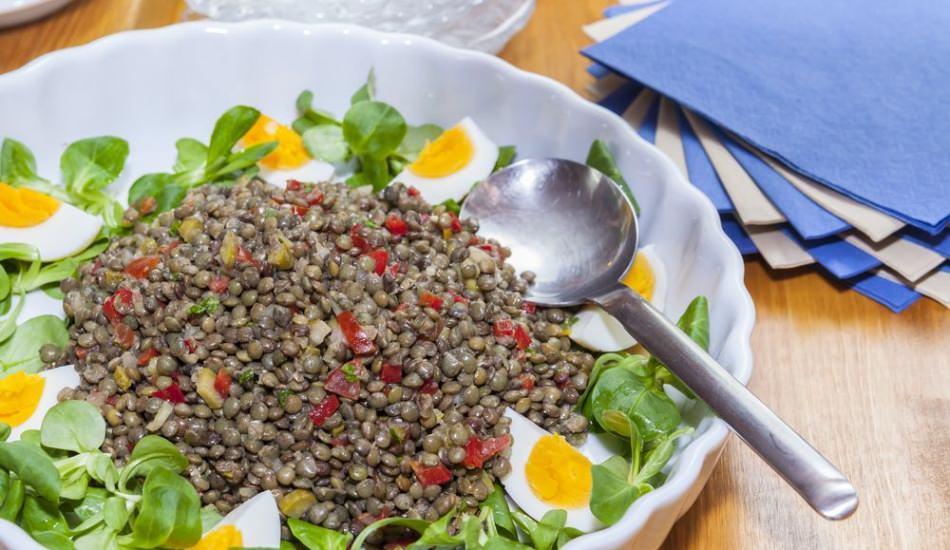 Tok tutan enfes mercimek salatası nasıl yapılır? Kalorisi çok düşük...