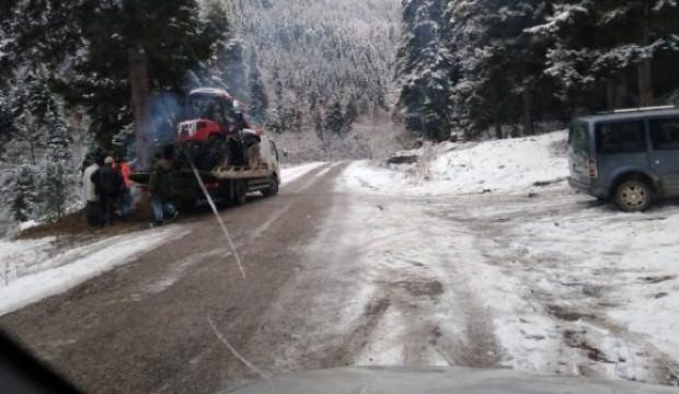 Traktörüyle uçtuğu derede ölü bulundu