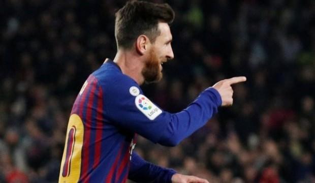 Barcelona ilk yarıda işi bitirdi!