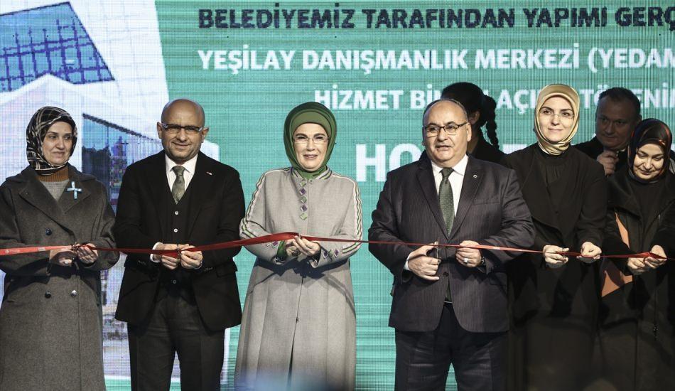Emine Erdoğan: Gençlerimizi bataklıklara terk edemeyiz