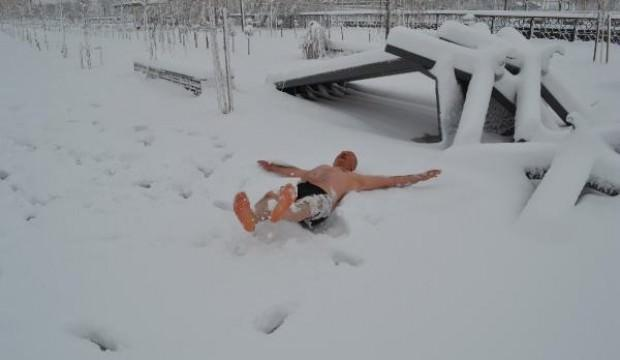 Görenler hayrete düştü! Her kış bunu yapıyor