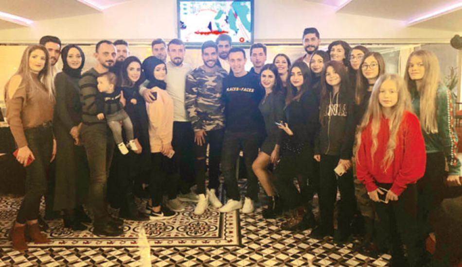 Mustafa Sandal hayranları ile buluştu