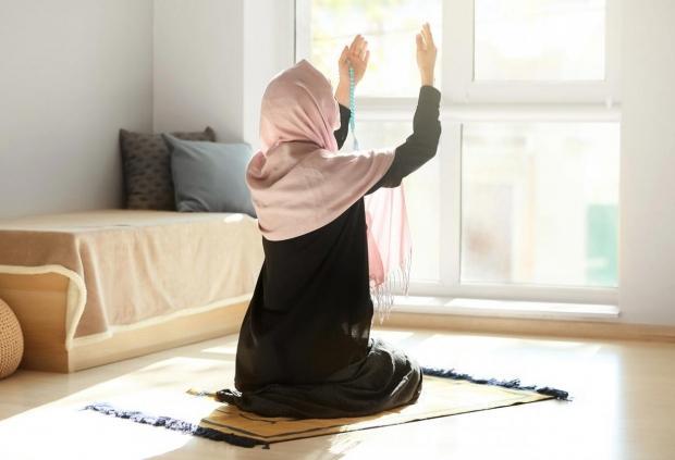 Fatiha Suresi Arapça ve Türkçe okunuşu