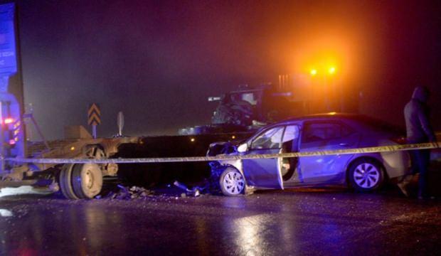 Otomobil askeri araca çarptı: 1 ölü, 1 yaralı