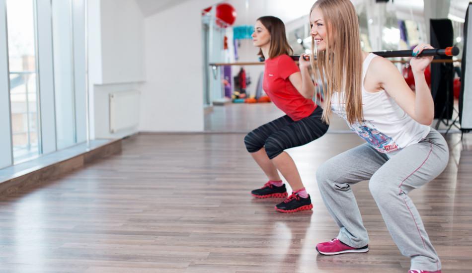 Squat nedir? Evde Squat hareketi nasıl yapılır?