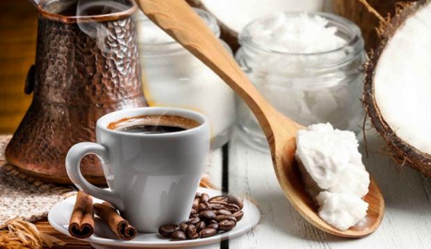 Hindistan cevizi yağı ile kahve