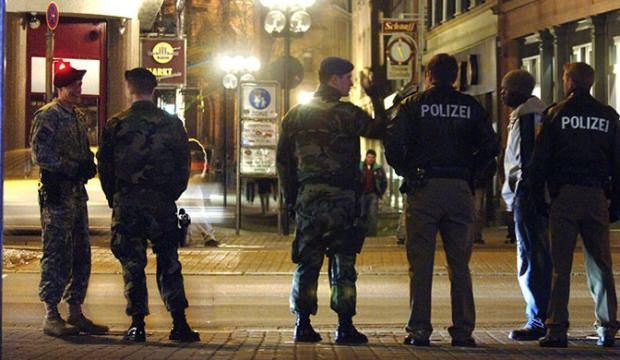 Almanya'da bomba alarmı! Binalar boşaltıldı