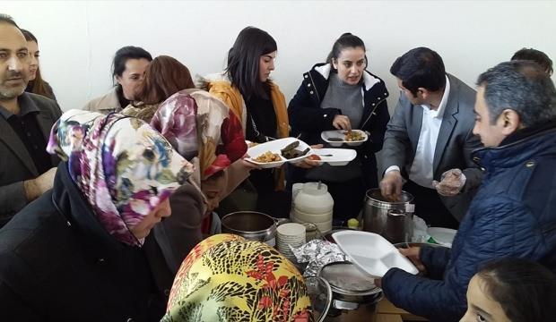 Ahlat'ta öğrencilerden Yemen'e destek