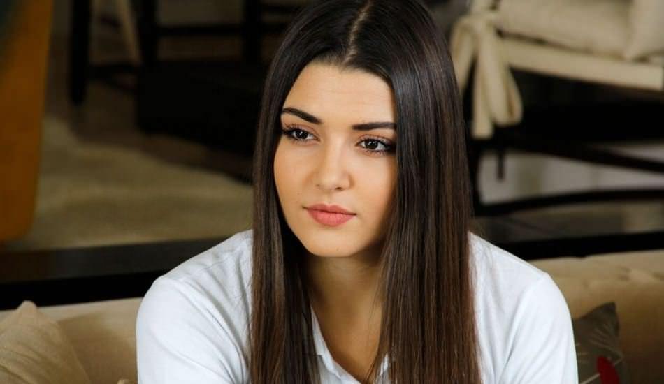 Hande Erçel'in annesi vefat etti!