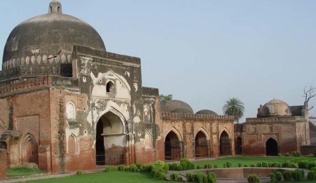 Hindistan'da cami arazisine tapınak çağrısı!