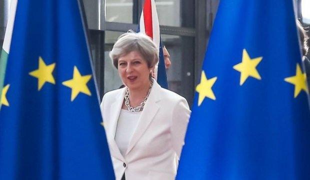 İngiltere'de Brexit depremi! Kontrolü kaybediyor