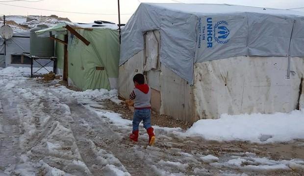 Katar'dan Arsal'daki Suriyeli mültecilere yardım