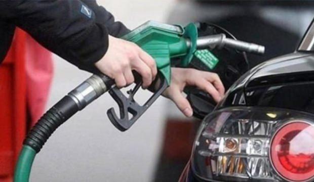 Petrol devi benzin fiyatlarında indirime gitti