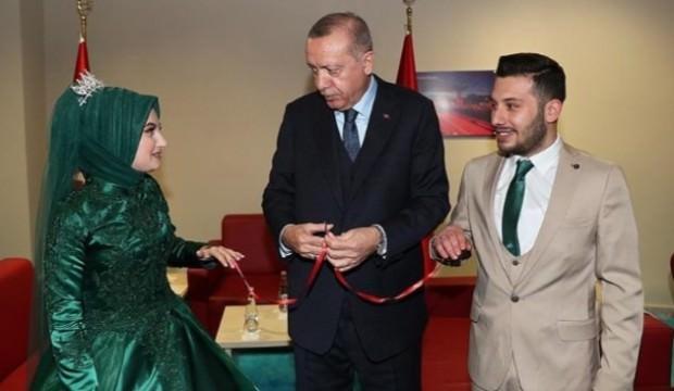 Yüzüklerini Başkan Erdoğan taktı