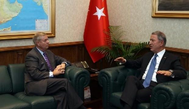 ABD'li senatör Akar'ı ziyaret etti