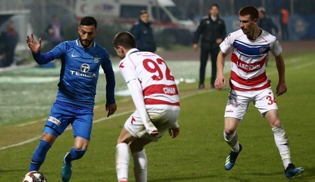 Adana Demirspor tek golle kazandı