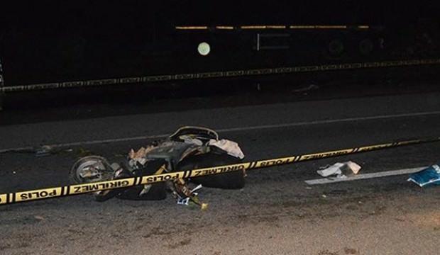 Motosikletlinin feci ölümü!
