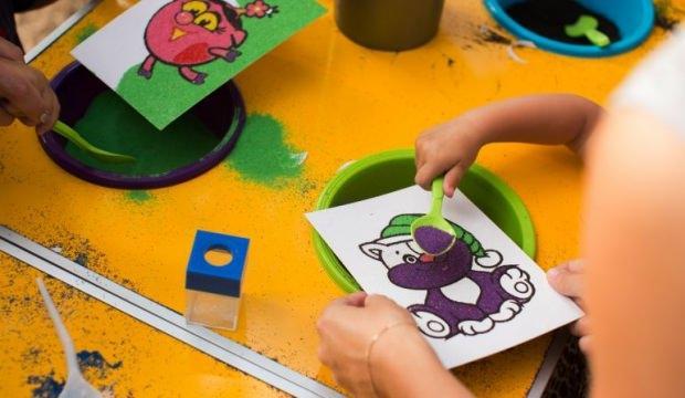 Kum boyanın çocuk gelişimine katkısı