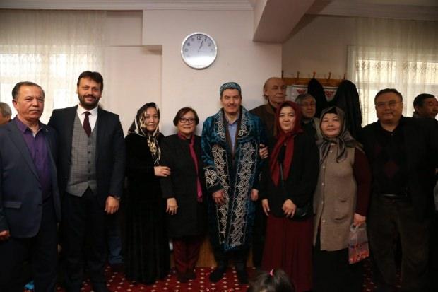 Zeytinburnu adayı Arısoy Nişan Bata'sına katıldı