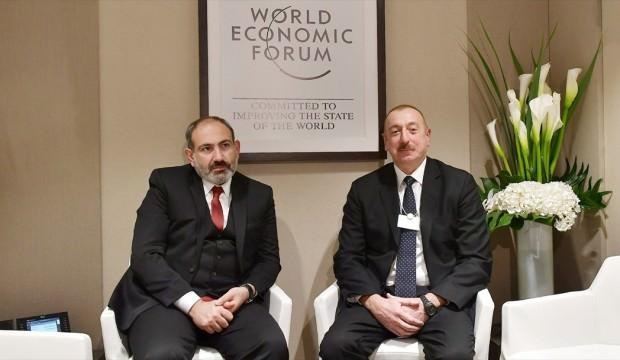 Aliyev ve Paşinyan Davos'ta görüştü