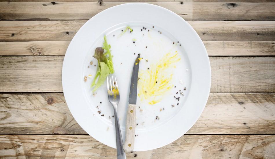 Kurumuş yemek kalıntıları nasıl giderilir?