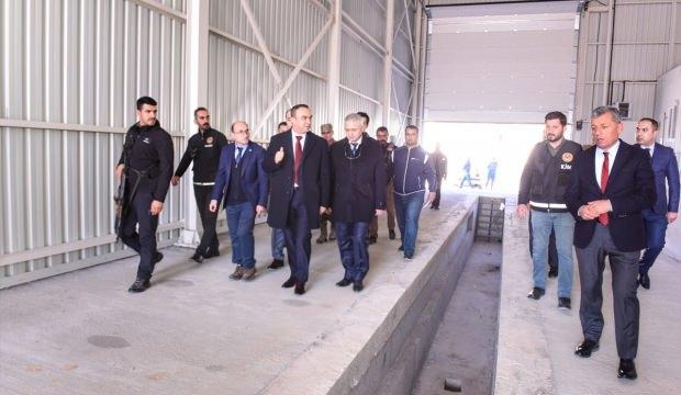 Vali Soytürk Çobanbey Sınır Kapısı'nda incelemelerde bulundu