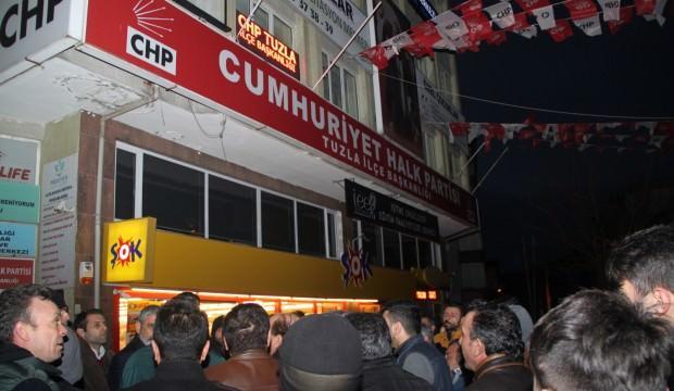 CHP'de liste sızdı! İlçe binasını bastılar!