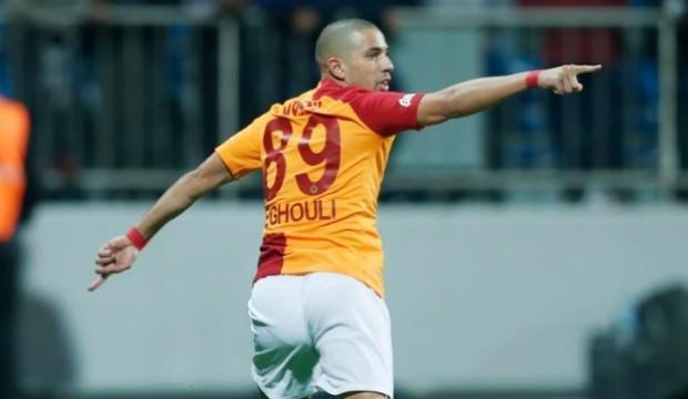Feghouli kariyerinde bir ilki başardı!
