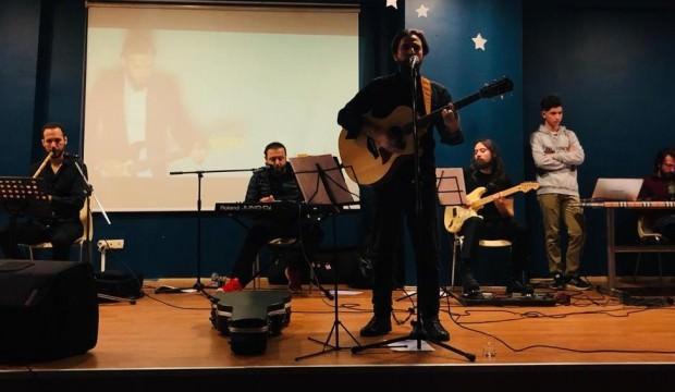 Yusuf Goncagül, İmam Hatip Lisesi'nde konser verdi