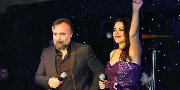 Şarkıcı Zara Oktay Kaynarca