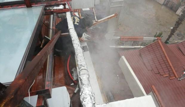Muğla'da bir otelin çatısında çıkan yangın söndürüldü