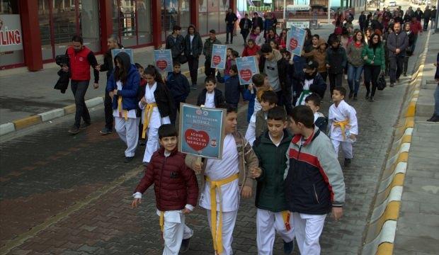 Iğdırlı gençler kan bağışı için yürüdü