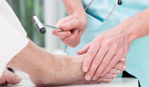 ayak ustunde kemik cikintisi nedenleri ayak kemigi cikintisi tedavisi saglik haberleri