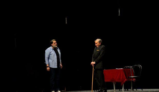 """Bursa'da """"Küllerin Arasından"""" oyunu sahnelendi"""