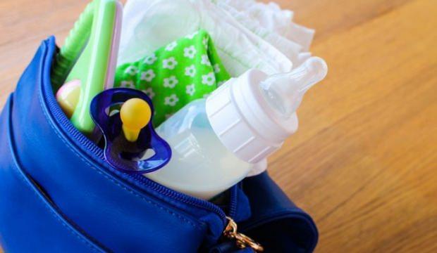 Misafirlikte ya da dışarıda bebek çantasında olması gerekenler